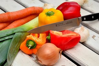 type of cuts vegetable, vegetable cutting style, wood cutting board, butcher block boards